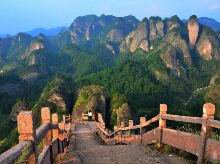 盘点那些藏在湖南的丹霞石林奇观