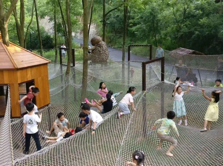 湖南郴州 · 滨河亲子乐园